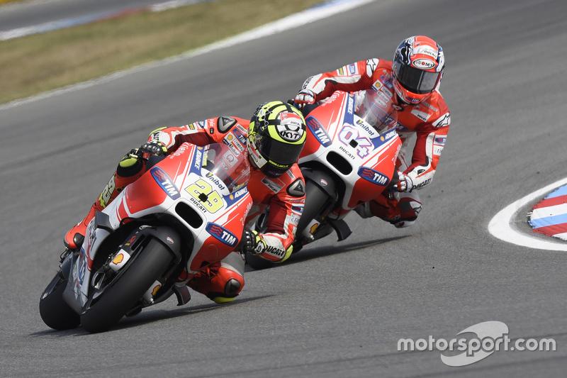 Ducati Desmosedici 2015 - Andrea Iannone ve Andrea Dovizioso