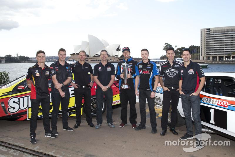 Para pembalap V8 Supercars Tim Slade, Scott McLaughlin, Will Davison, Craig Lowndes, Chaz Mostert, Mark Winterbottom, Rick Kelly dan Jamie Whincup