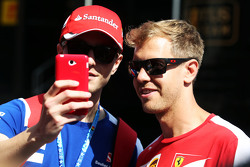 Sebastian Vettel, Ferrari con un fan