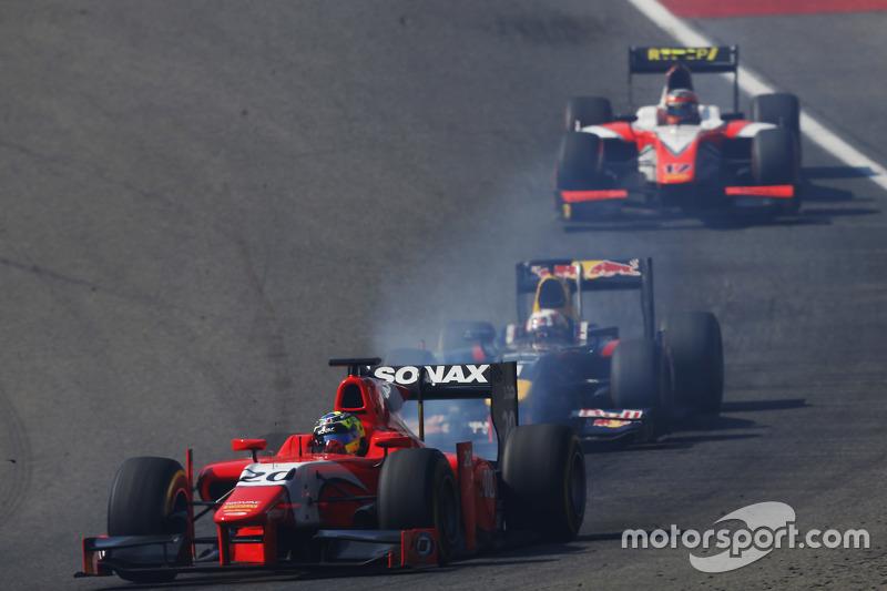 André Negrao, Arden International memimpin di depan Pierre Gasly, DAMS dan Daniel de Jong, MP Motorsport