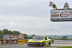 Paul Menard, Richard Childress Racing Chevrolet se lleva la victoria