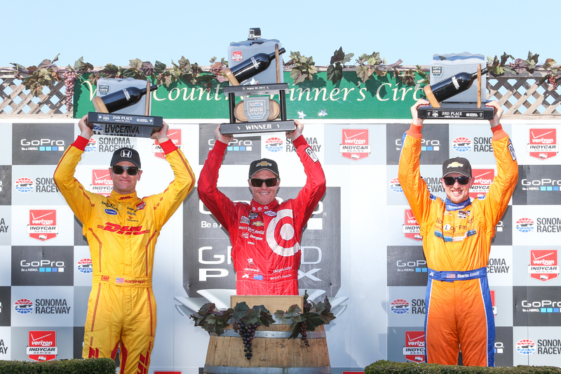 Podium: Race winner Scott Dixon, Chip Ganassi Racing Chevrolet, second place Ryan Hunter-Reay, Andre