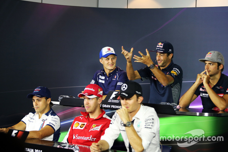 Маркус Ерікссон, Sauber F1 Team; Даніель Ріккіардо, Red Bull Racing; Карлос Сайнс мол., Scuderia Tor