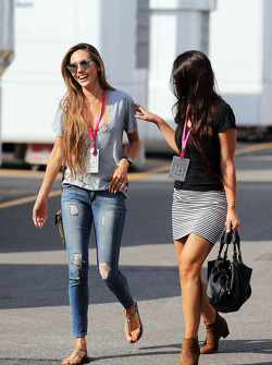 Jessica Button Michibata, vrouw van Jenson Button, McLaren