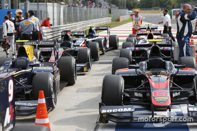 Los autos de GP2 en el parc ferme
