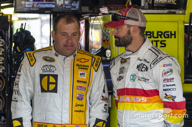 Ryan Newman, Richard Childress Racing Chevrolet andPaul Menard, Richard Childress Racing Chevrolet