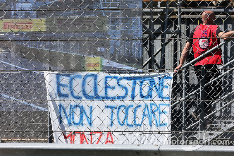 A banner for Bernie Ecclestone from fans