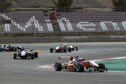 Сантино Феруччи, Mücke Motorsport Dallara Mercedes-Benz и Вин Чун Чан, Fortec Motorsports Dallara Mercedes-Benz