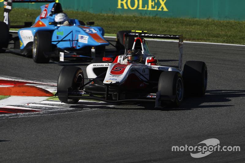 Марвін Кірчхофер, ART Grand Prix лідирує  Матео Тушер, Jenzer Motorsport
