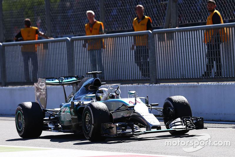 Race winner Lewis Hamilton, Mercedes AMG F1 W06 celebrates as he enters parc ferme