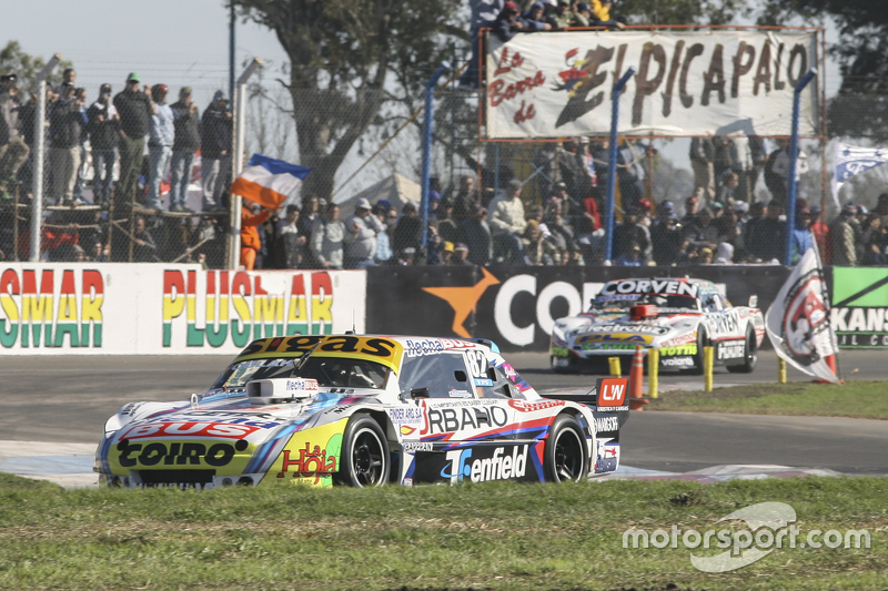 Маурісіо Ламбіріс, Coiro Dole Racing Torino та Хуан Маркос Анджеліни, UR Racing Dodge