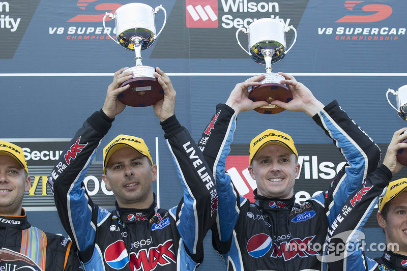 Podium: winner Mark Winterbottom and Steve Owen, Prodrive Racing Australia Ford celebrate their vict
