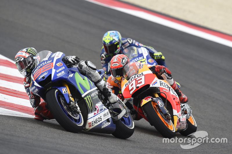 Jorge Lorenzo, Yamaha Factory Racing; Marc Marquez, Repsol Honda Team, und Valentino Rossi, Yamaha F