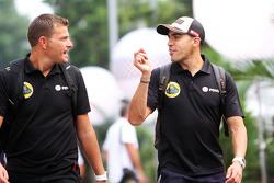 Pastor Maldonado, Lotus F1 Team, mit Fabrizio Maganzi, Lotus F1 Team, Trainer