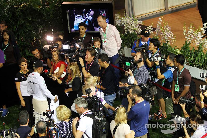 Lewis Hamilton, Mercedes AMG F1 Team, mit der Presse