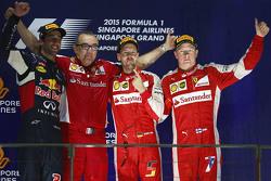 Подиум: победитель - Себастьян Феттель, Ferrari, второе место - Даниэль Риккардо, Red Bull Racing, т