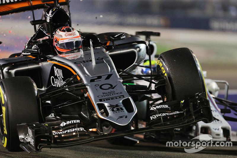 Nico Hülkenberg, Sahara Force India F1 VJM08, und Felipe Massa, Williams FW37, mit Unfall während des Rennens