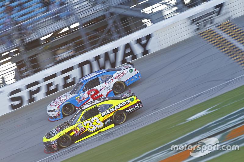 Paul Menard, Richard Childress Racing Chevrolet and Brian Scott, Richard Childress Racing Chevrolet