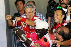 Маурицио Арривабене, руководитель команды Ferrari, в закрытом парке