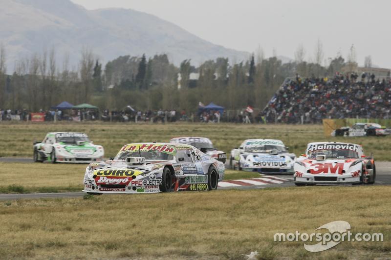 Мартін Серрано, Coiro Dole Racing Dodge та Маріано Вернер, Werner Competicion Ford та Еміліано Спатару, UR Racing Dodge