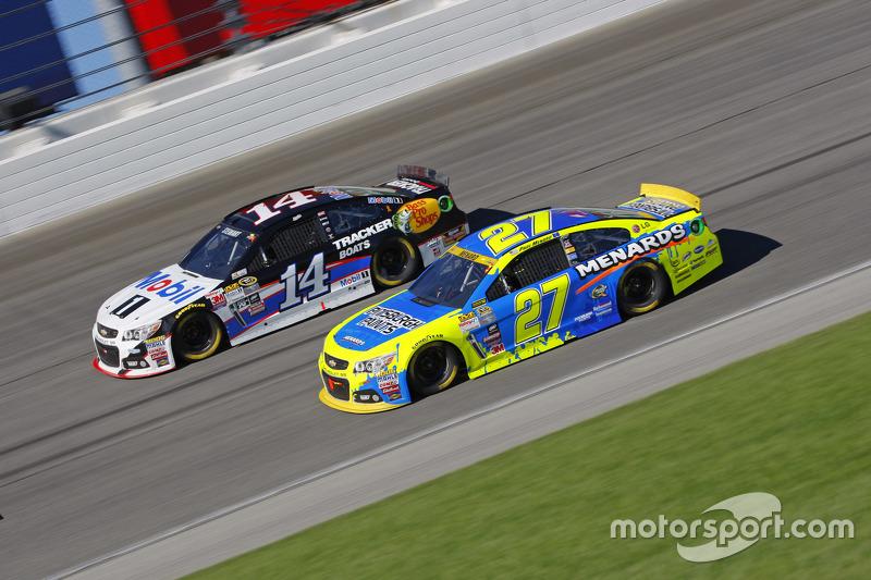 Пол Менард, Річард Чілдресс Racing Chevrolet та Тоні Стюарт, Stewart-Haas Racing Chevrolet
