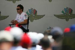 Fernando Alonso, McLaren Mercedes talks to the fans