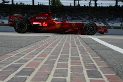 Feature at Start / Finish Line, Felipe Massa, Scuderia Ferrari, F2007
