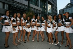 Street party: the charming contestants for the Miss Grand Prix of Toronto