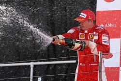 Ganador de la carrera Kimi Raikkonen, Scuderia Ferrari, F2007