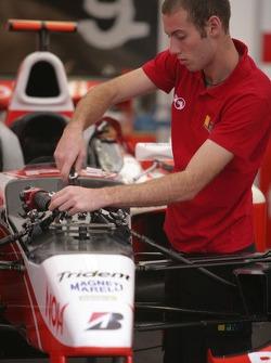 A Petrol Ofisi FMS International team member