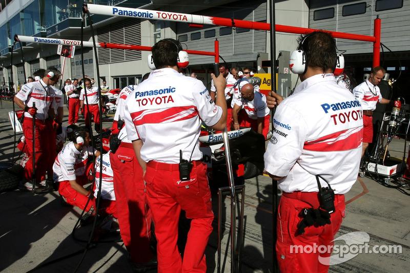 Механік Toyota Racing