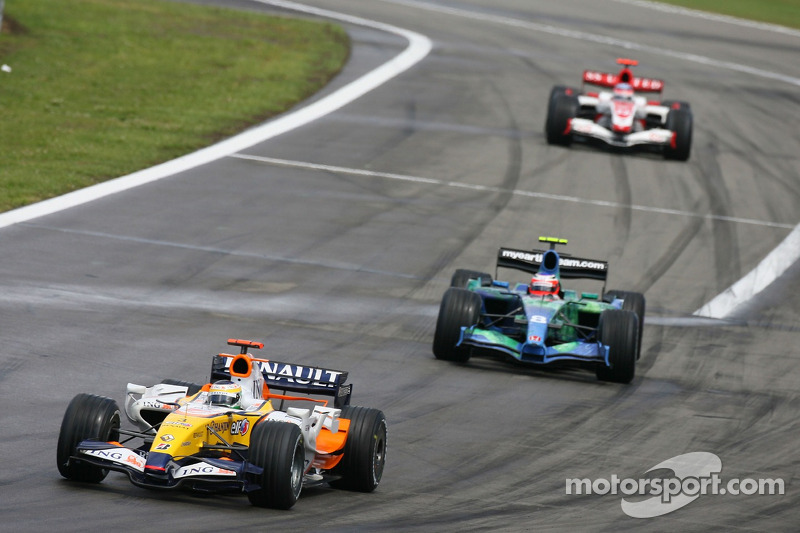 Джанкарло Фізікелла, Renault F1 Team, R27, Рубенс Баррікелло, Honda Racing F1 Team, RA107