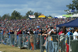 Massive Crowd at Queensland Raceway