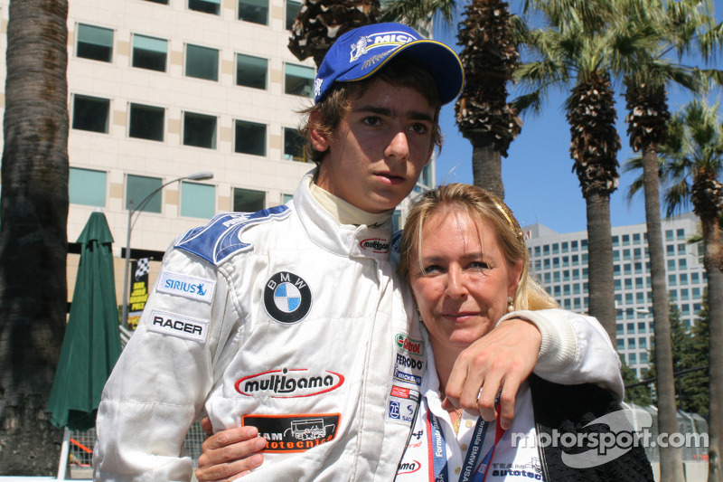 Esteban Gutiérrez con su mamá