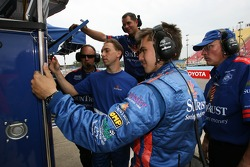 Max Angelelli watches qualifying with SunTrust Racing team members