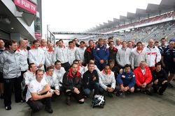 David Coulthard, Red Bull Racing, Lewis Hamilton, McLaren Mercedes, pilotu s ve takım elemanları meet to remember Colin McRae