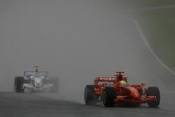 Felipe Massa, Scuderia Ferrari, F2007 and Nick Heidfeld, BMW Sauber F1 Team, F1.07