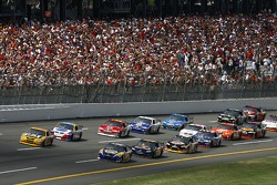 First lap: Michael Waltrip and Dave Blaney lead the field