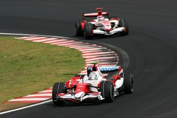 Jarno Trulli, Toyota Racing, Takuma Sato, Super Aguri F1