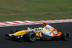 Giancarlo Fisichella, Renault F1 Team, R27 without his rear wing