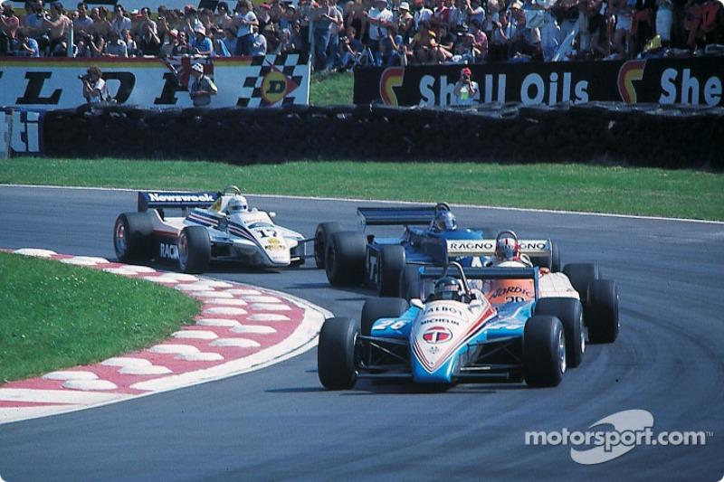 Jacques Laffite ve Marc Surer, Brian Henton ve Jochen Mass