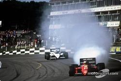 Michele Alboreto blows ve motor