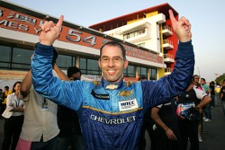 Alain Menu, Team Chevrolet, Chevrolet Lacetti  takes the pole position
