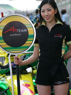 Grid girl for Ian Dyk, driver of A1 Team Australia