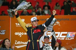 Podium: Sebastian Vettel and Michael Schumacher lift the Nations Cup for Germany