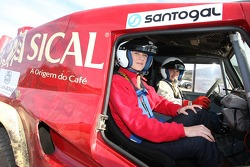 Team Sical Challenge: Rodrigo Amaral gives rides to guests and media