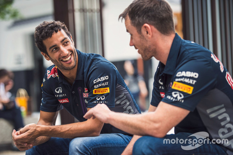 Daniel Ricciardo, Red Bull Racing and Daniil Kvyat, Red Bull Racing relaxes outside a local shrine i