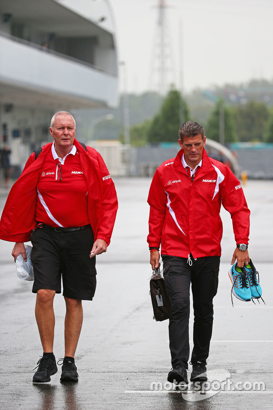 John Booth, chefe da Manor Marussia F1 Team e Graeme Lowdon, diretor da Manor Marussia F1 Team