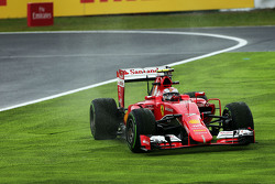 Kimi Raikkonen, Ferrari SF15-T carrera de ancho