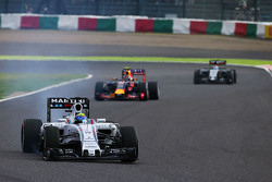 Felipe Massa, Williams FW37 mit Plattfuß nach dem Start